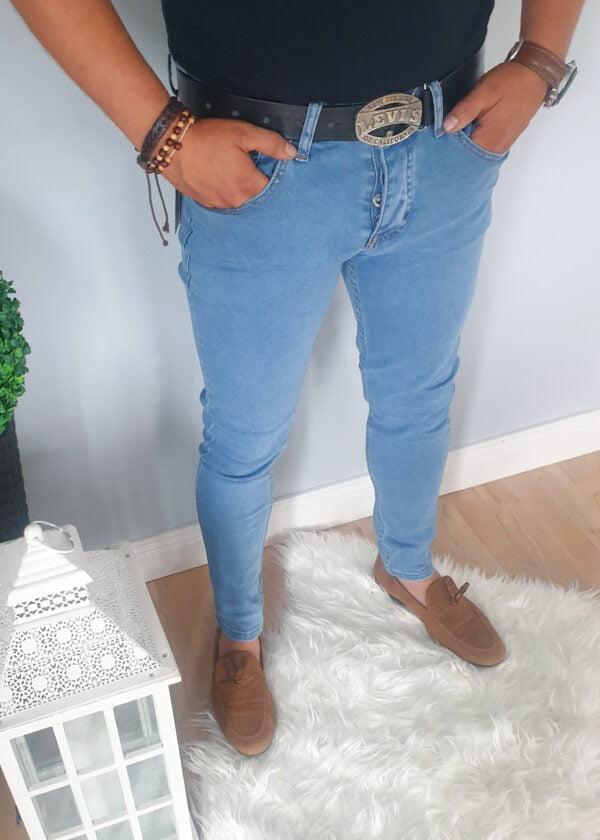 Klasyczne jasne męskie jeansy bez przetarć