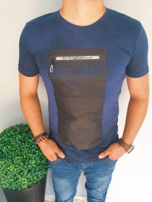 T-shirt męski z aplikacją