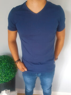 Klasyczna koszulka męska w serek