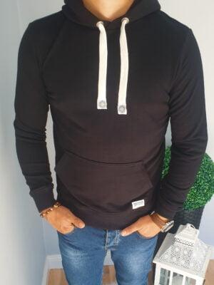 Czarna męska bluza z kapturem
