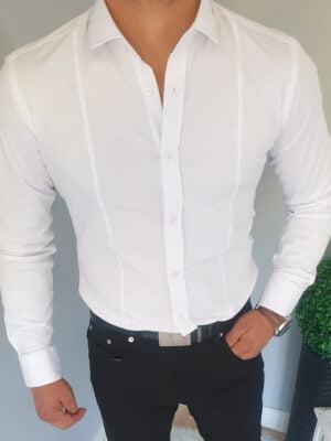 Biała koszula męska z przeszyciami i kołnierzykiem
