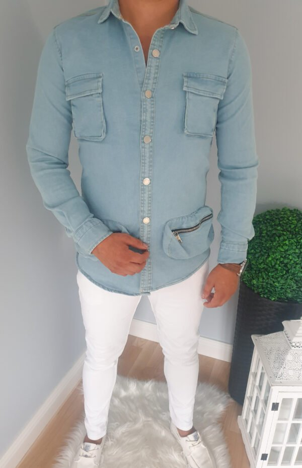 Jeansowa męska koszula z kieszeniami
