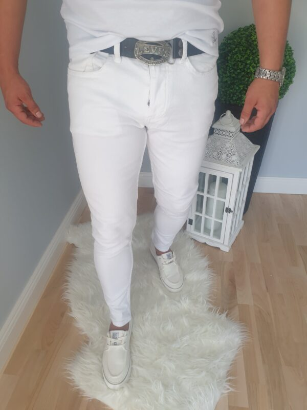 Białe męskie spodnie jeansowe bez dziur