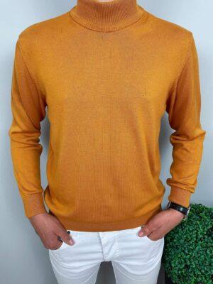 Męski musztardowy sweter półgolf