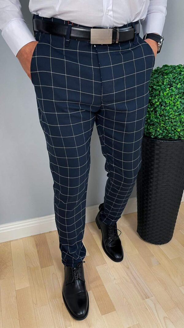 Eleganckie granatowe spodnie w kratę