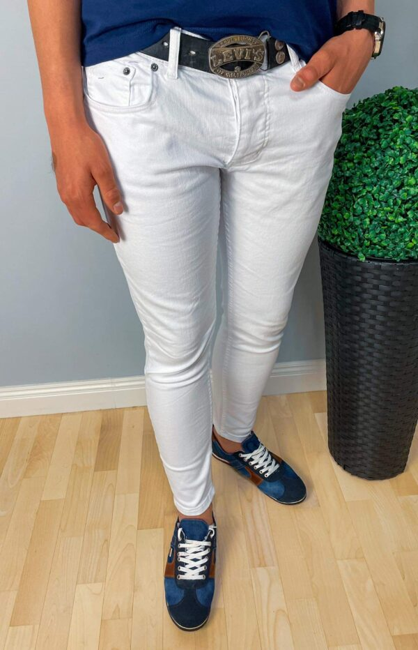 Gładkie białe jeansy męskie