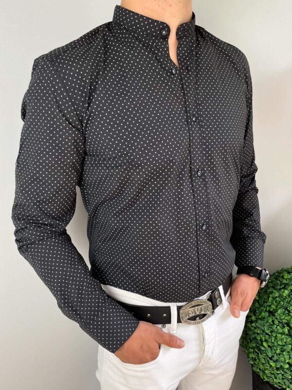 Czarna koszula męska ze stójką w delikatne wzory
