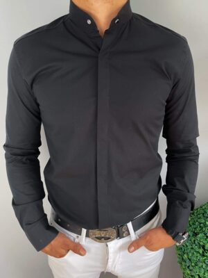 Czarna męska koszula z ozdobnym napem