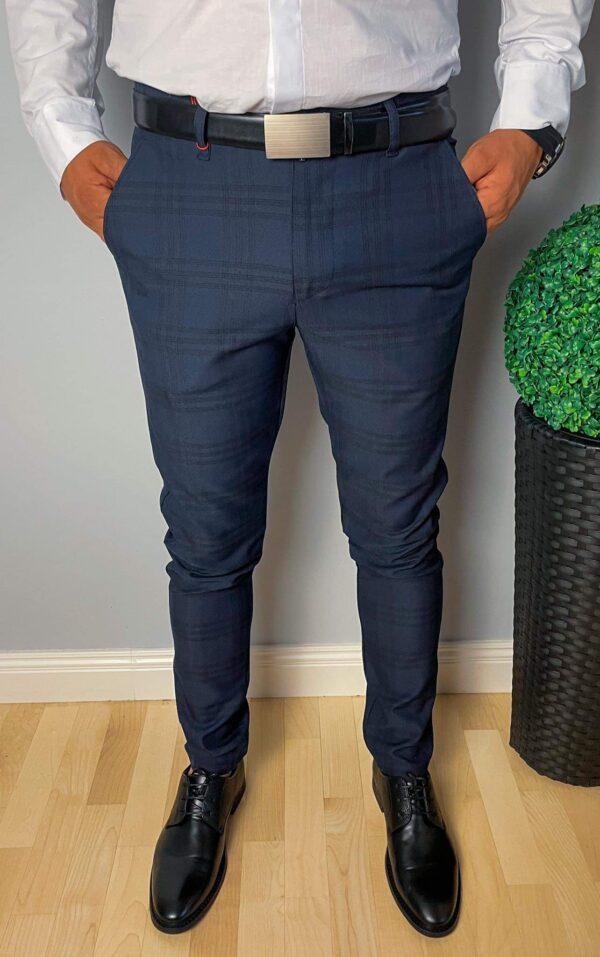 Granatoweeleganckie męskie spodnie wkratę