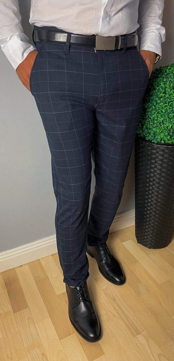 Granatowe eleganckie spodnie w szarą kratę