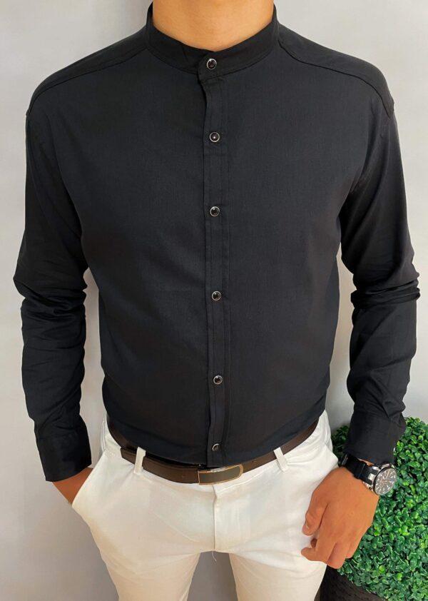 Czarnagładka męska koszulaze stójką